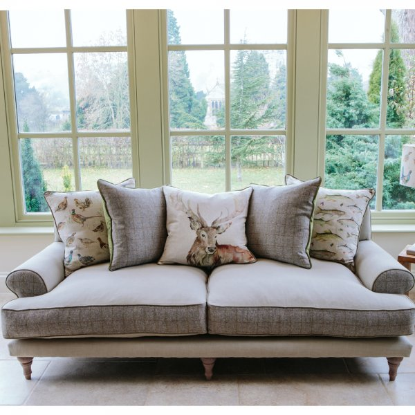 Luxury Living Room Furniture: Voyage Maison Artemis Country Sofa