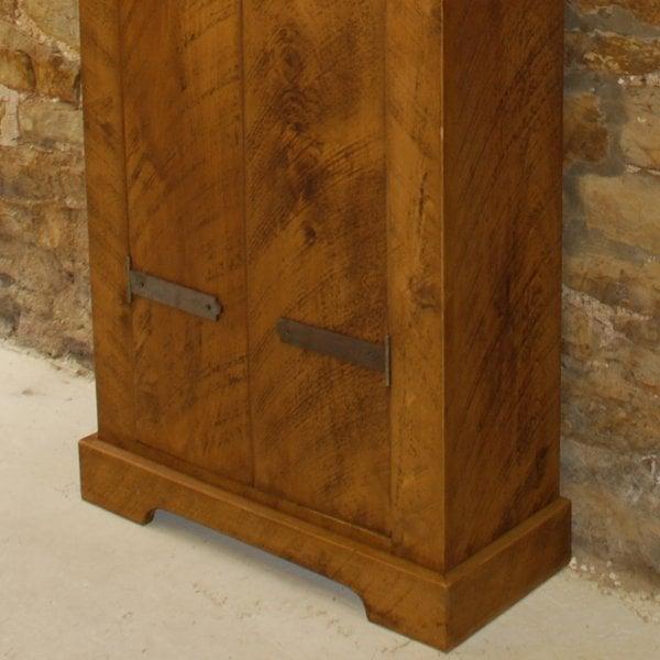 Curiosity Interiors Wingfield Plank Large Gun Cabinet