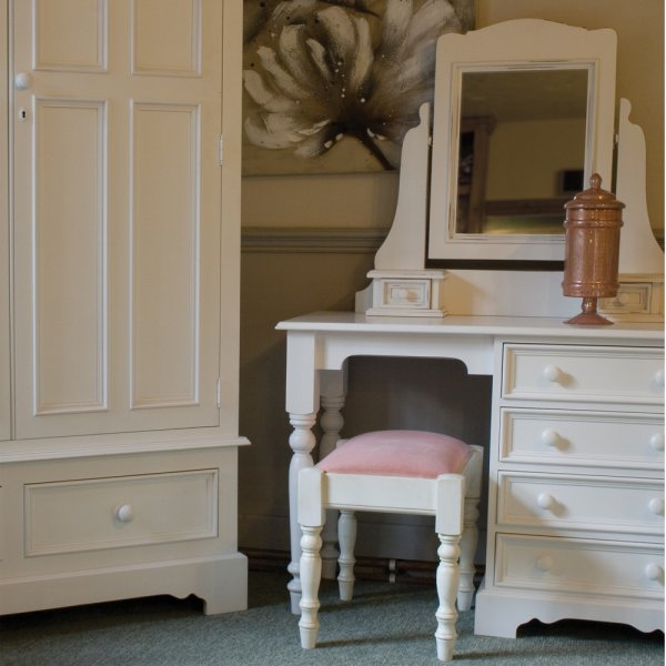 Dressing table stool with fabric seat pad