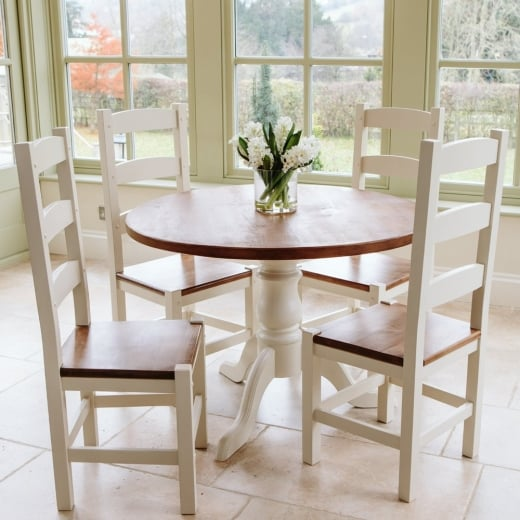 Hardwick Round Dining Table & Amish Chair Package