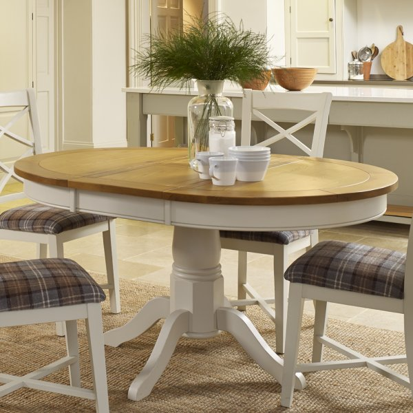 St Ives Round Extending Pedestal Dining Table