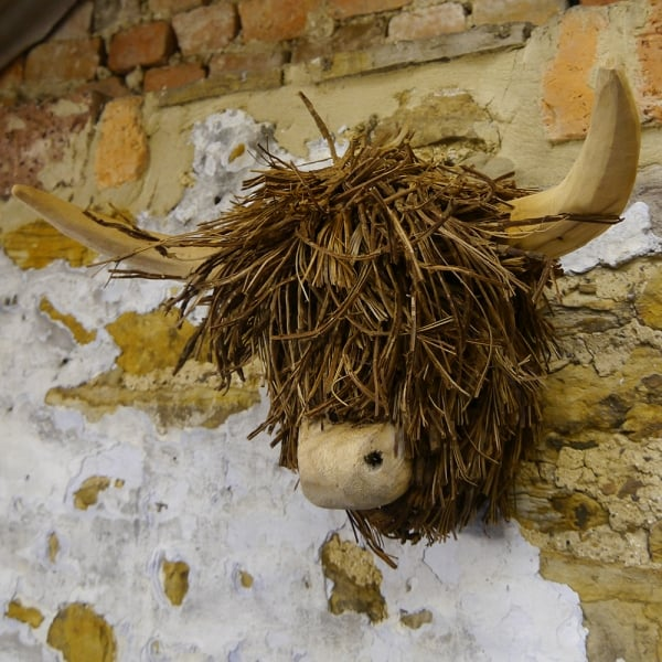 Voyage Maison Highland Cow Wood Wall Sculpture Curiosity